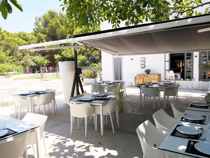 es moli sant elm restaurante familiar kid-friendly en Mallorca  vistas al parque infantil